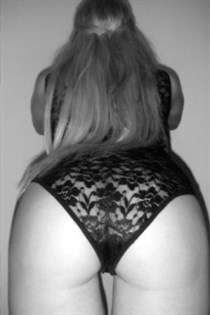 Niku, horny girls in Italy - 3759