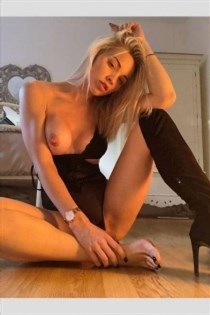 Risako, horny girls in Italy - 6561